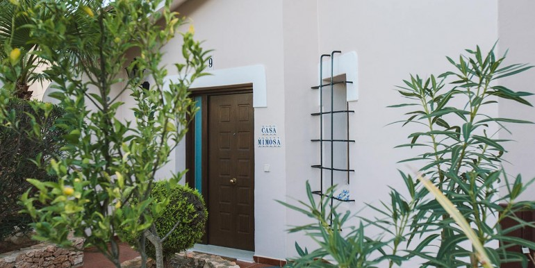 Fully refurbished 4 bedroom villa in Spain golf Resort (1)