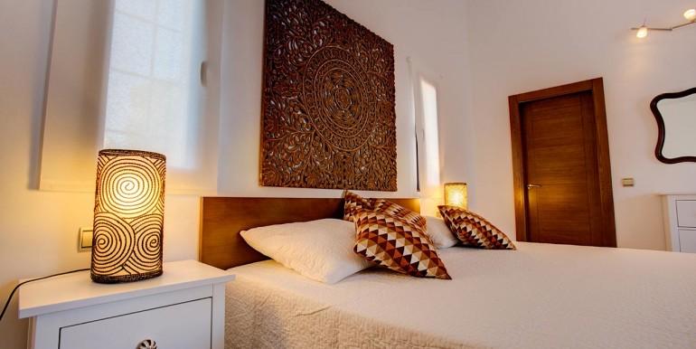 Fully refurbished 4 bedroom villa in Spain golf Resort (17)