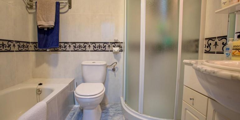bellaluz apartment for sale in la manga club spain (bathroom)