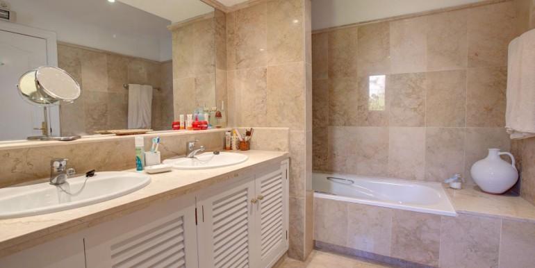 5 bedroom private villa (11)