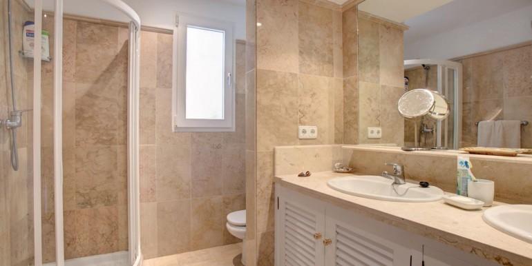 5 bedroom private villa (12)