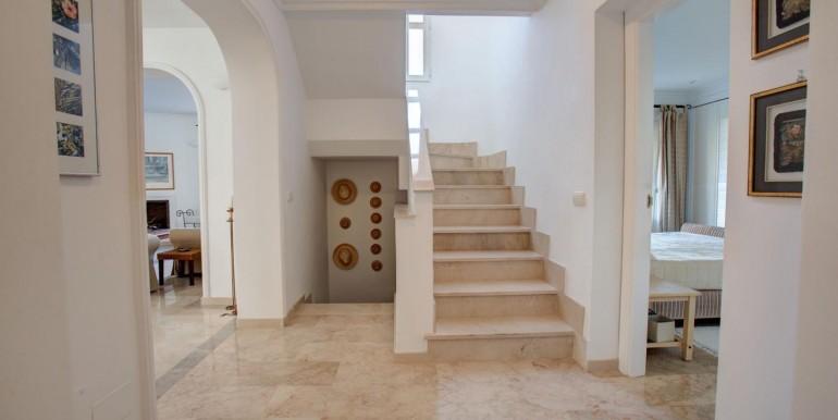 5 bedroom private villa (13)