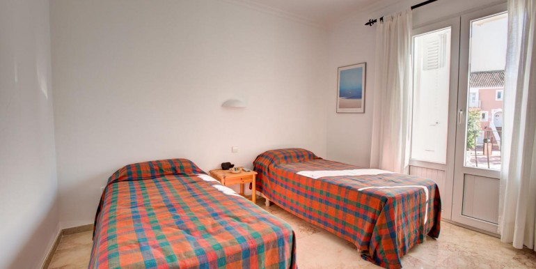 5 bedroom private villa (14)