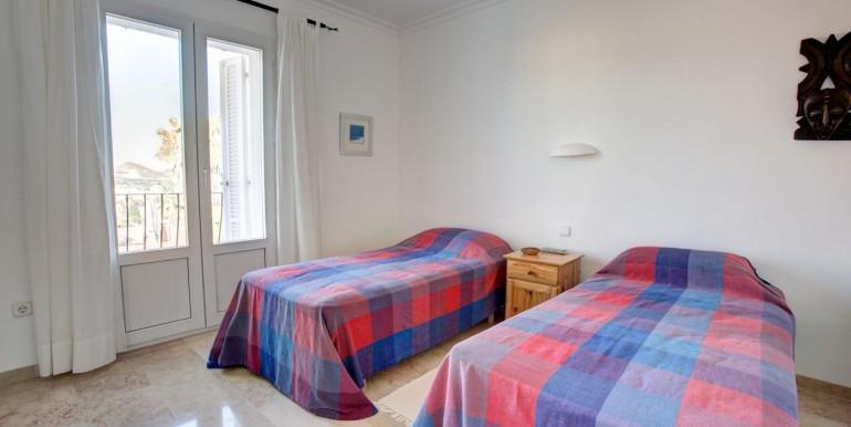 5 bedroom private villa (15)