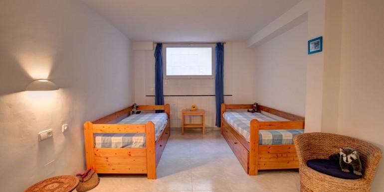 5 bedroom private villa (2)