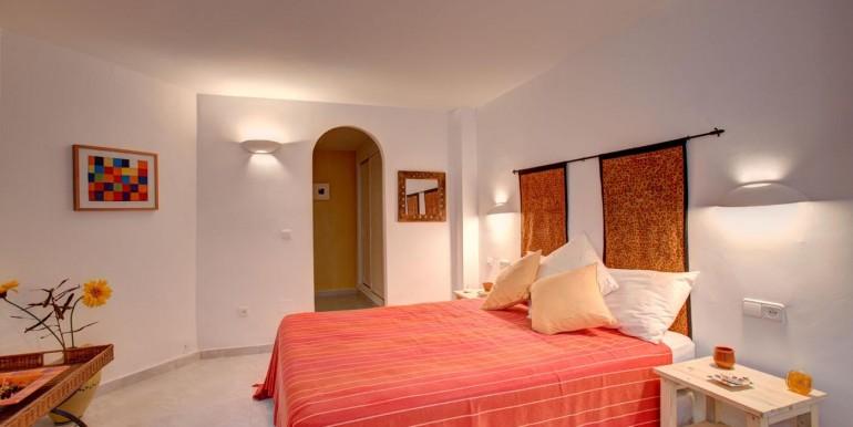 5 bedroom private villa (3)