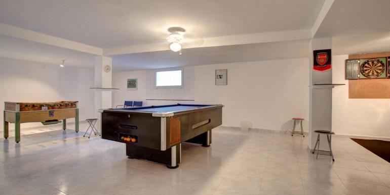 5 bedroom private villa (4)
