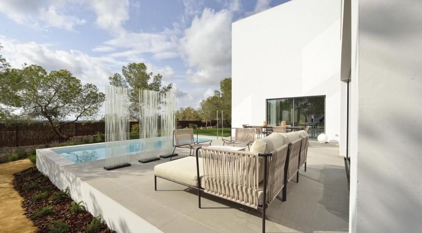 Abubilla Villa for Sale Las Colinas Golf Resort  (poolo view)