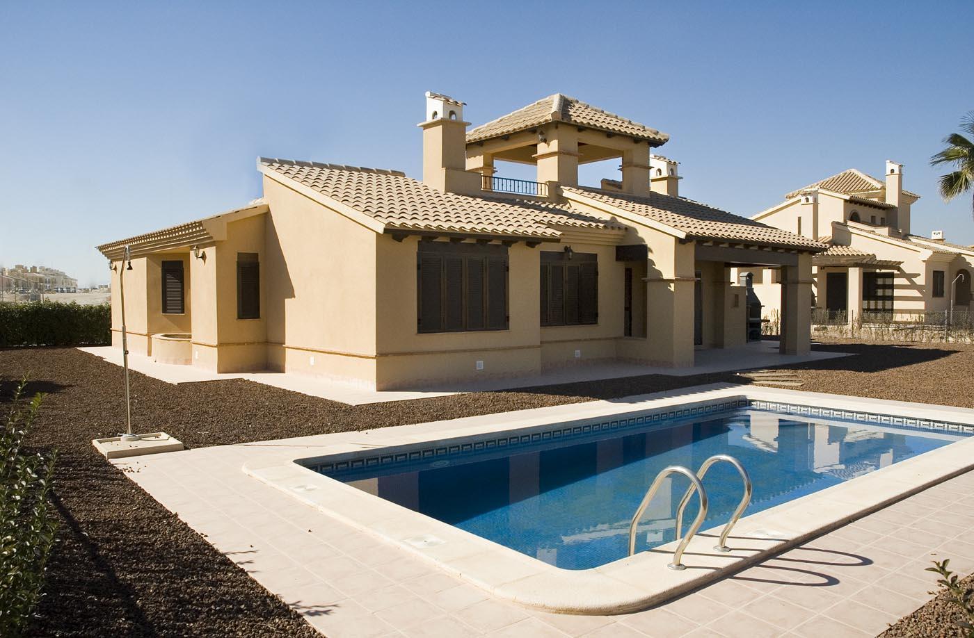 Independent Villa in Spain for sale in Hacienda Del Alamo Golf Resort